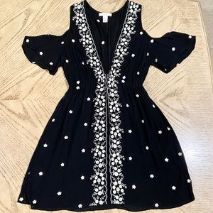 LITTLE BLACK OPEN SHOULDER FLORAL DRESS SIZE L